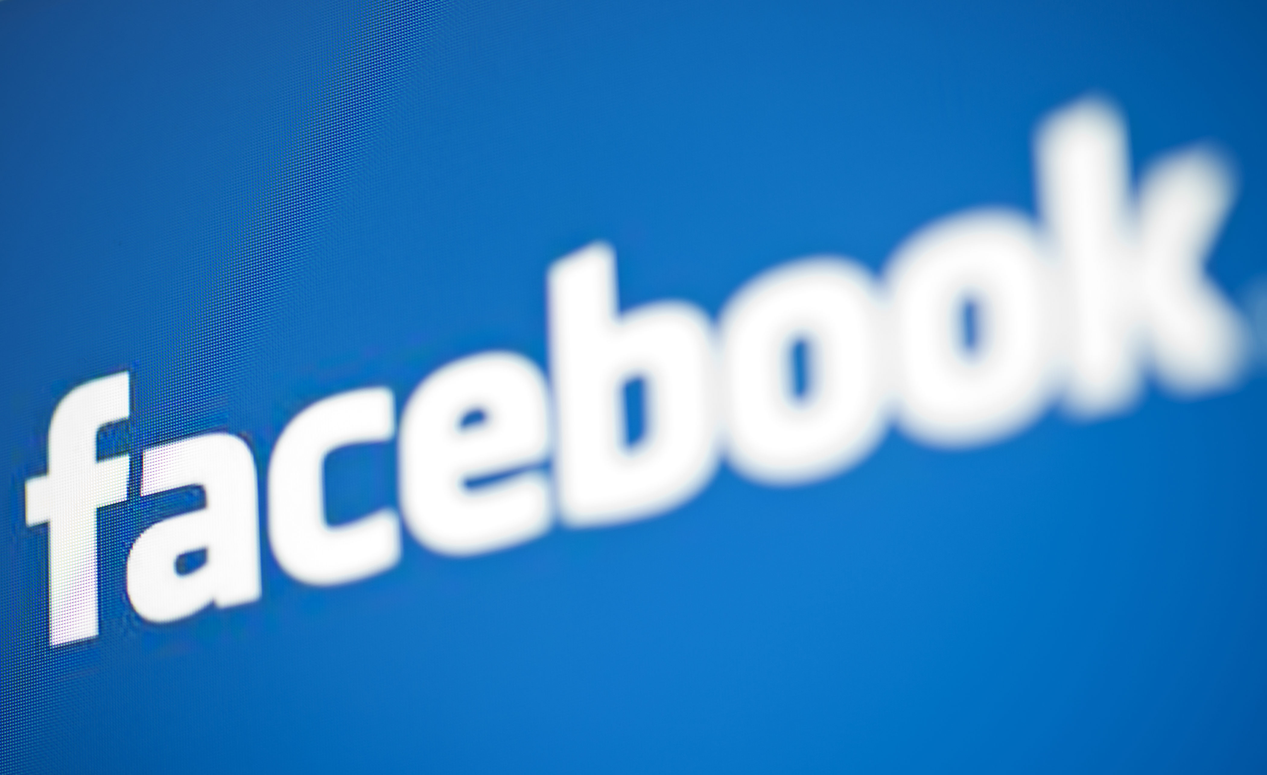 share posts with selected friends on facebook