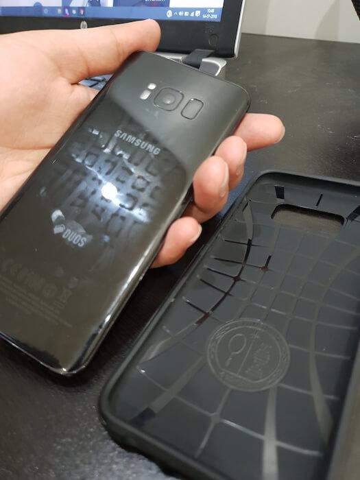 Spigen Neo Hybrid Inside of the cover