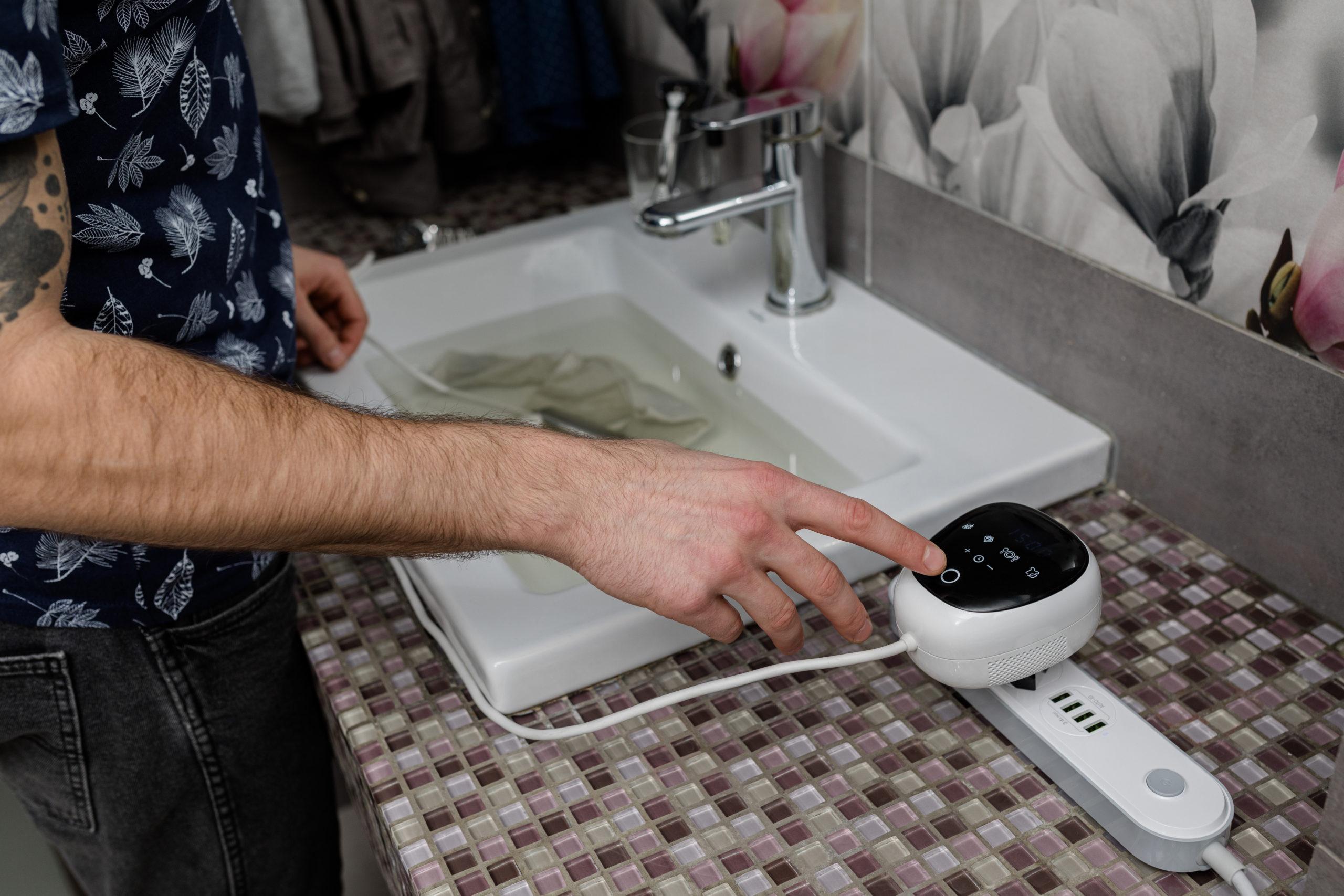 Ultrasona near a sink