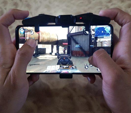 F4 Falcon gaming controller
